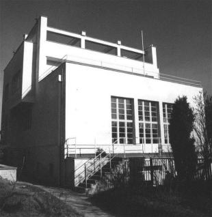 08-adolf-loos-nas-uci-bydlet
