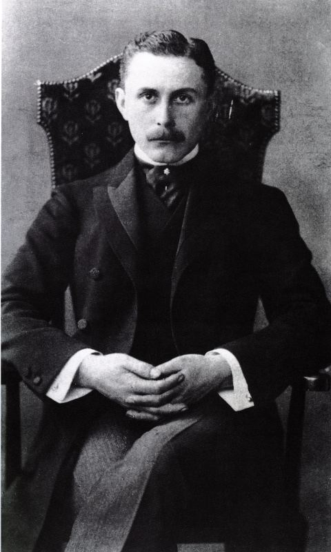 Adolf Loos, Austrian architect, 1904