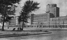 Kirov Palace of Culture on Vasileostrovskii island, designed by Noi Trotskii and S.N. Kazak (1931-1937), photo 1953