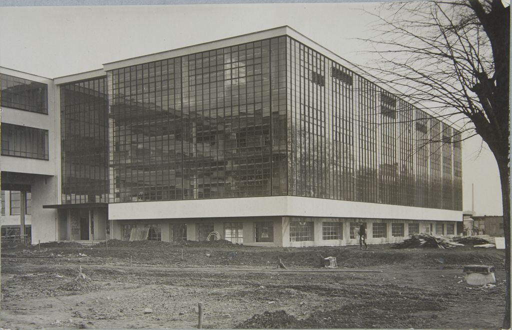 Unidentified photographer Bauhaus Building, Dessau, 1925-1926 g