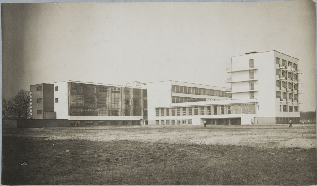 Unidentified photographer Bauhaus Building, Dessau, 1925-1926 p