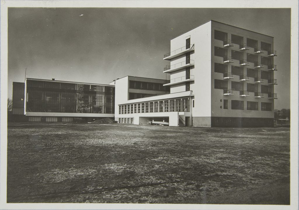 Unidentified photographer Bauhaus Building, Dessau, 1925-1926 s