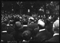 4-8-14, obsèques de Jaurès, discours de Mr Vaillant - [photographie de presse] : [Agence Rol]. 4-8-14, obsèques de Jaurès, discours de Mr Vaillant