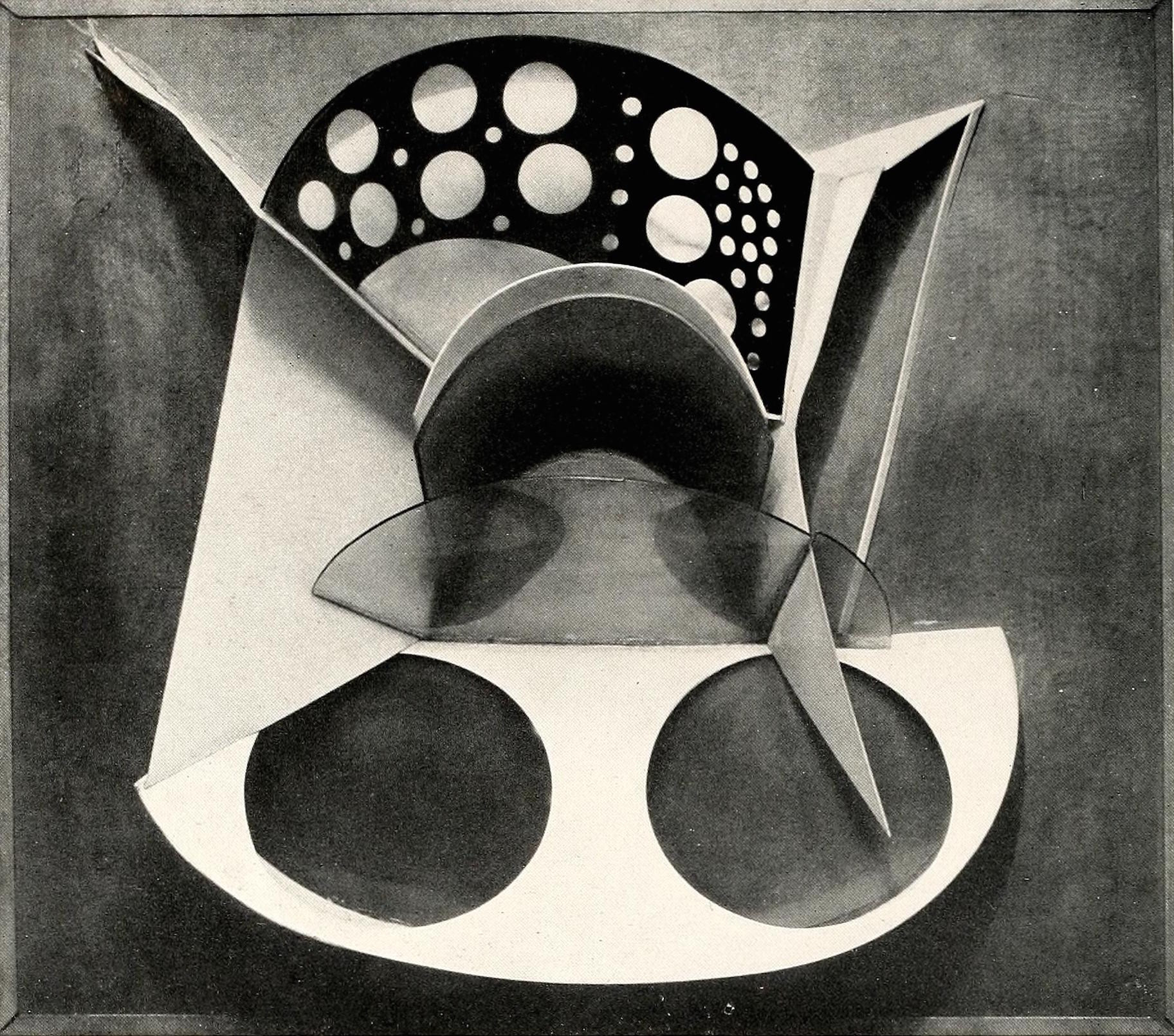 """Antoine Pevsner, bust (1924-1925), metal and celluloid 20 x 23"""""""