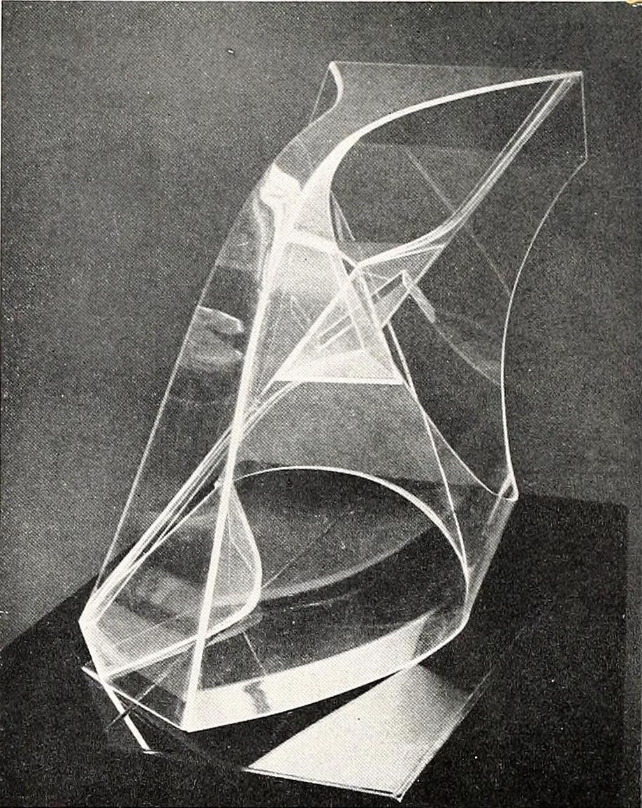 Naum Gabo, construction in space with crystalline center (1938), Plastic and crystalline, 18,5 inches wide1
