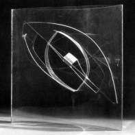Naum Gabo Construction on a Line 1937 Rhodoid and Perspex, 43.4 x 43.6 x 19.2 cm