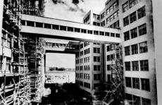 800px-Держпром_будівництво_1928_року