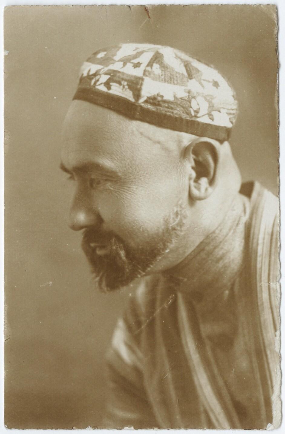 Achmedjean Aca Uzmozaif, player of reeds, Uzbek Musical Theatre, Soviet Central Asia