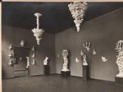 Hans Poelzig (1869-1936) Ausstellung von Porzellanen Volkstedter Modelleure nach Entwürfen von Poelzig und Moeschke in der Kunsthalle, Mannheim (1921)a