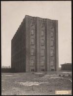 Hans Poelzig (1869-1936) Firma Gebr. Meyer, Hannover-Vinnhorst. Verwaltungsgebäude (1923-1924)y