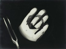 Laszlo Moholy-Nagy (1895 - 1946) Sans titre 1925 - 1926 photogramme, épreuve gélatino-argentique 23,8 x 17,8 cm