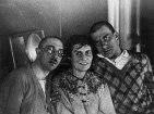 В. Маяковский с О.М., Л.Ю. Бриками. 1928