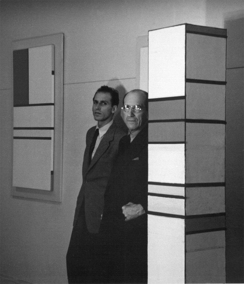 Harry-Holtzman-and-Piet-Mondrian-in-Holtzman-studio-New-York-City-1941