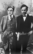 Vladimir Mayakovsky (left) and the Mexican Communist Francisco Moreno in 1925
