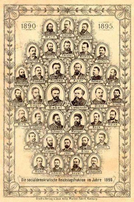 Erinnerungskarte mit den Mitgliedern der sozialdemokratischen Reichstagsfraktion, 1890