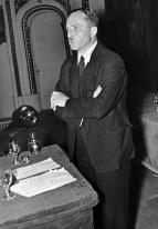 Hendrik de Man als spreker. Eind jaren 1930