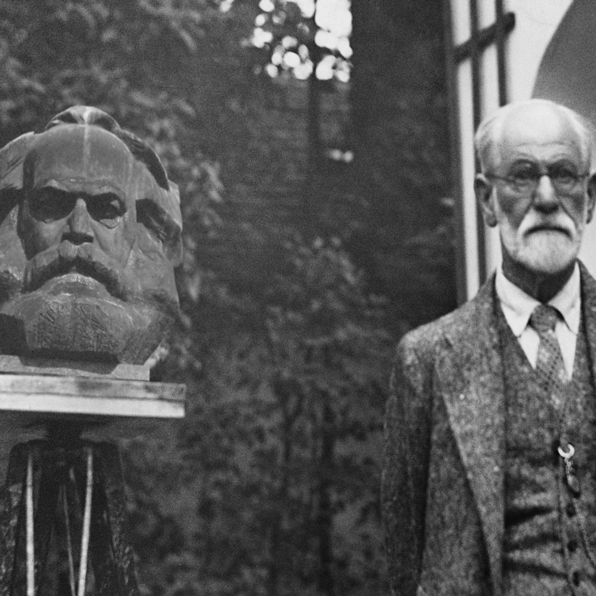 Early Marxist criticisms of Freudian psychoanalysis: Karl Korsch and Georg Lukács