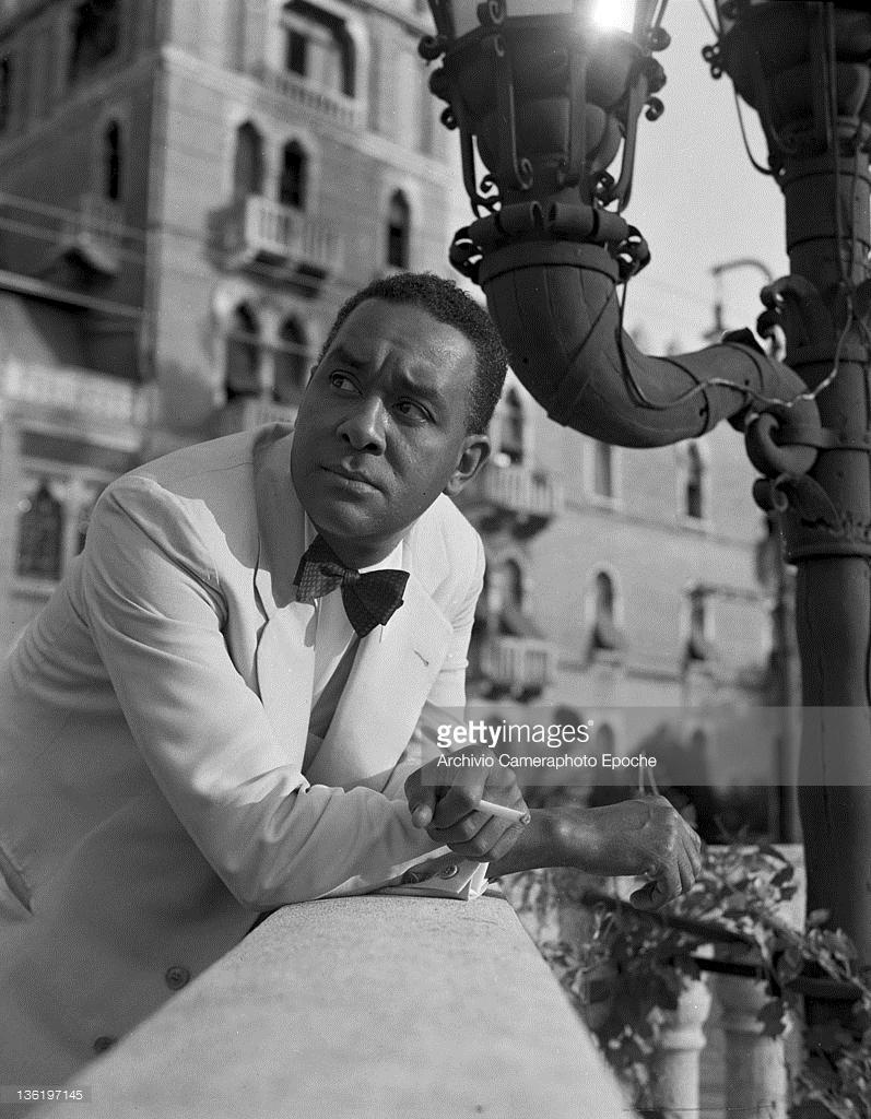 american-author-richard-wright-portrayed-on-a-bridge-venice-1950