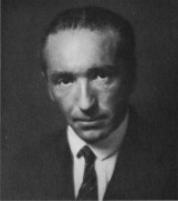 a-formal-portrait-of-reich-1921