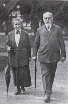 Д.Б.Рязанов с женой в Париже, 1920-е гг.