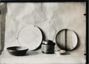 Lucia Moholy, Designer- Eberhard Schrammen Wooden Bowls and Containers (1922-1923) b