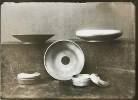 Lucia Moholy, Designer- Eberhard Schrammen Wooden Bowls and Containers (1922-1923)