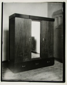 Lucia Moholy, Wardrobe by Erich Dieckmann Wardrobe (c. 1924)