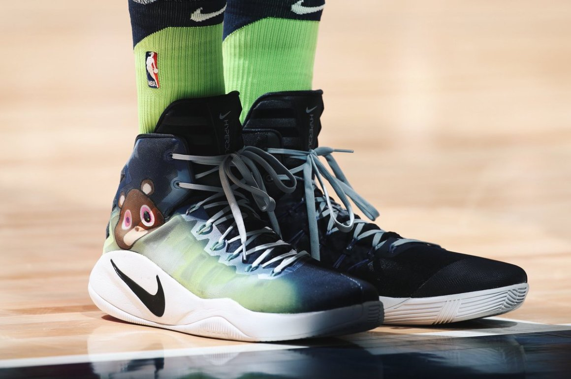 3bb172d5ef79 ... Minnesota Timberwolves Karl-Anthony Towns hit the court wearing custom Nike  Hyperdunk kicks that paid ...