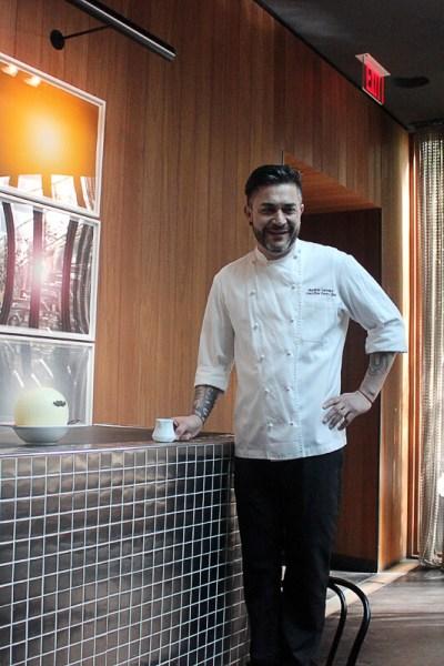 Mauricio Santelice ready to pour