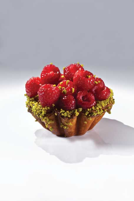 Pistachio Raspberry Croissant, Bachour the Baker. Photo by Battman.