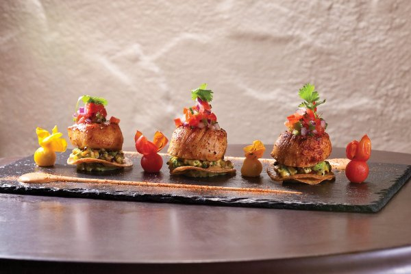Scallop Tostada by Serge Devesa. Photo by Battman. Master Chefs of France