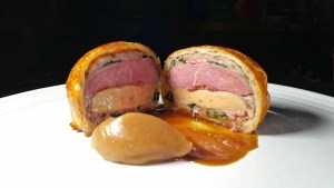 Duck Pithiviers by Chef Sōta Atsumi. Photo by Battman.
