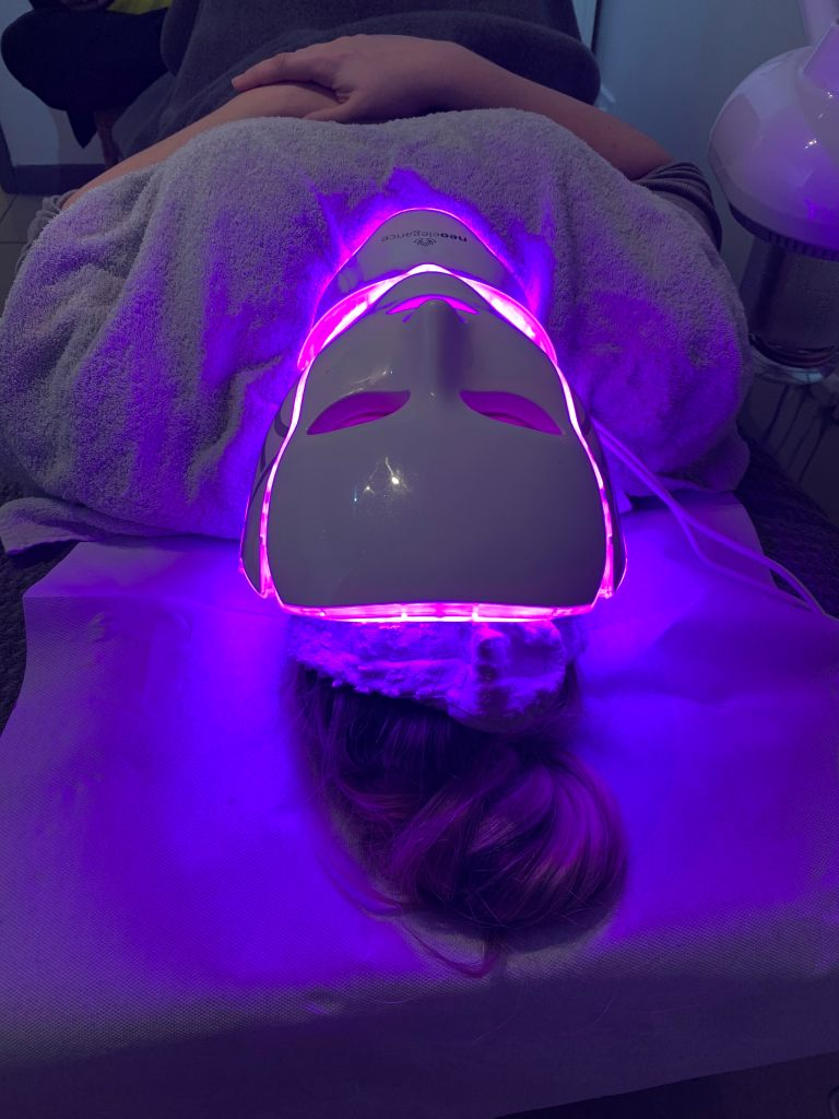 LED Treatment happening at the Clinic