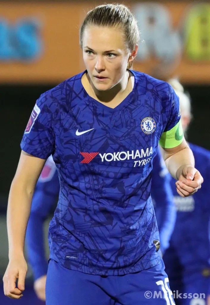 Magdalena Eriksson in action for Chelsea Women.