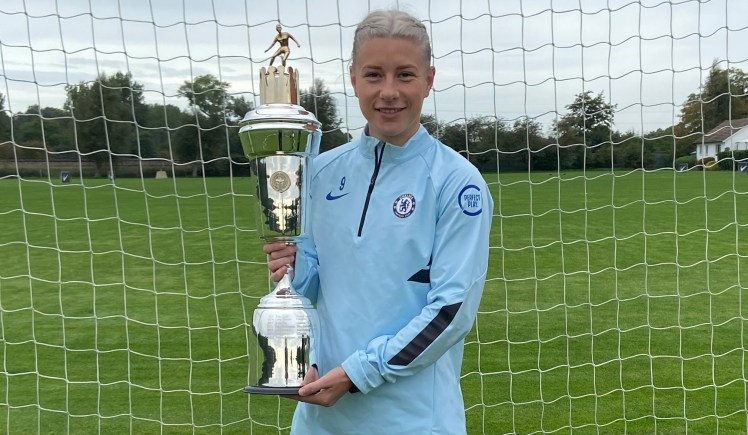 Bethany England with her PFA WSL Player of the Year award.