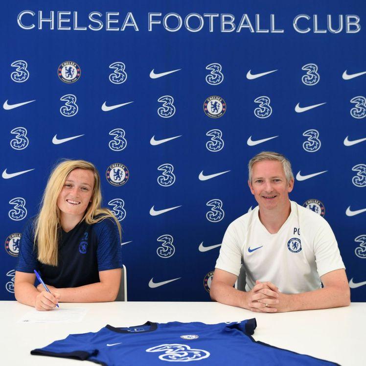 Erin Cuthbert extends her Chelsea contract.