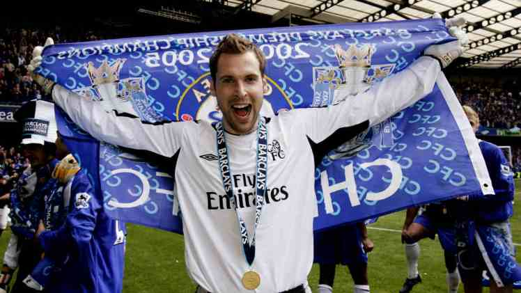 Arguably Chelsea's greatest ever goalkeeper, Petr Cech ended his career at Arsenal.