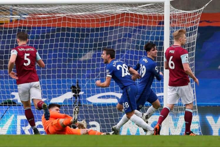 Cesar Azpilicueta makes it Chelsea 1-0 Burnley