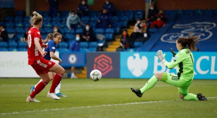Fran Kirby makes it Chelsea 1-0 Bayern Munich.