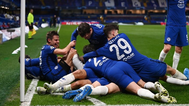 Chelsea celebrate their historic victory after Mason Mount seals victory over Real Madrid (Photo by Pedro Salado/Quality Sport Images/Getty Images)