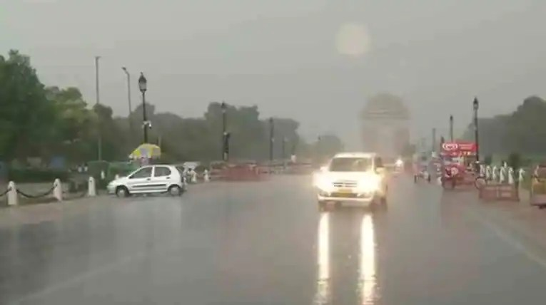 Delhi to witness moderate to heavy rain likely on weekend, says IMD