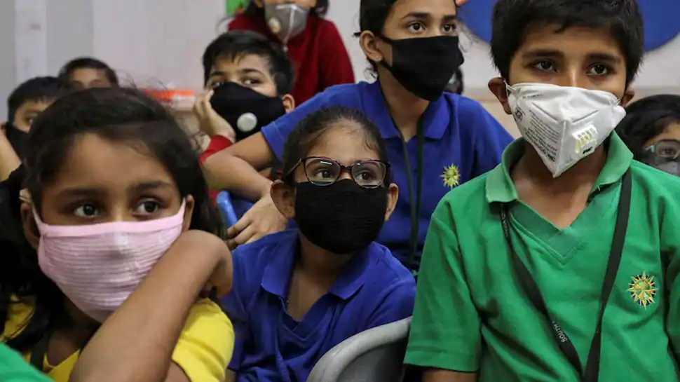 Masks not recommended for children below 5 years, DGHS reviews COVID-19 guidelines