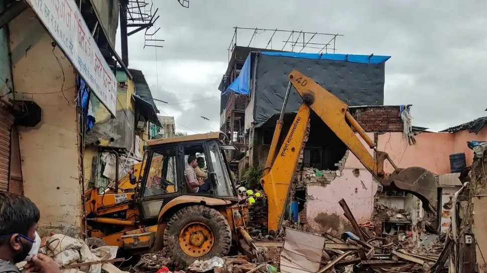 Mumbai building collapse: 8 children, 3 adults dead, many feared to be trapped