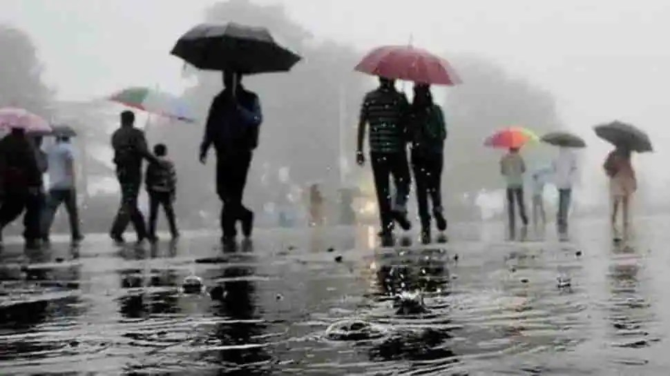IMD forecasts heavy rainfall over western, central India, issues 'Red' alert for Mumbai
