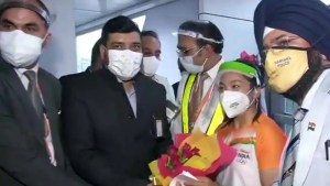 Tokyo Olympics 2020: Silver medallist Mirabai Chanu gets thunderous welcome on returning India - WATCH