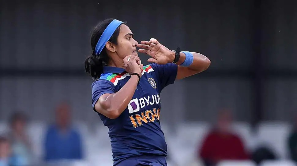 IND W vs AUS W: India's Shikha Pandey delivers 'ball of the century' to dismiss Alyssa Healy – watch VIRAL video