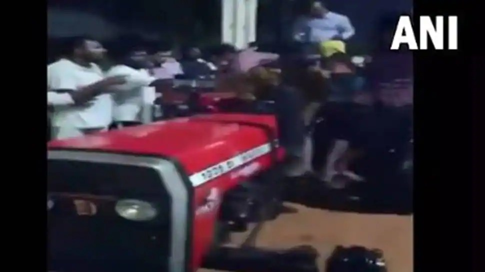 Passengers ferried on tractor to catch flight as heavy rains flood karnataka Kempe Gowda airport - Watch
