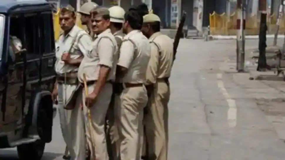 Police team that went to bust liquor party in Bihar face wrath of villagers