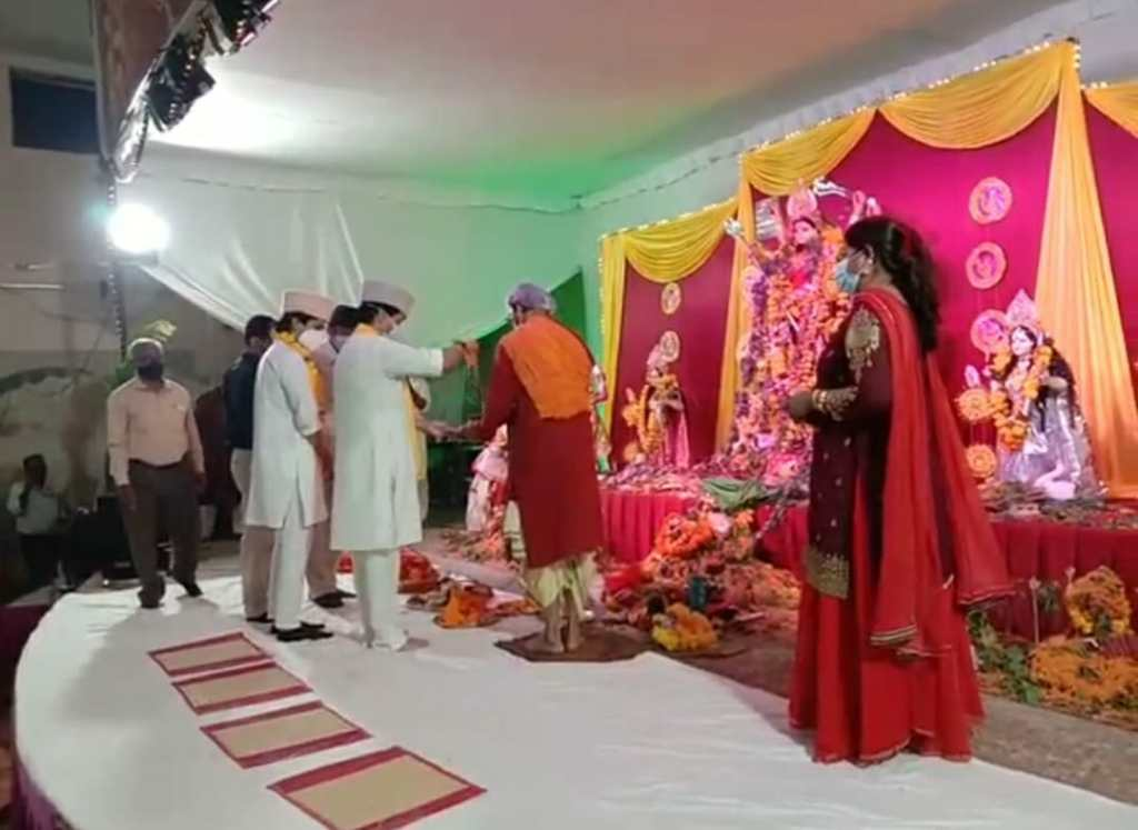 Scindia joined Durga Puja of Bengali society, wished this for the people of the country