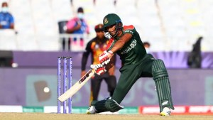 T20 World Cup 2021: Whirlwind Mahmudullah fifty powers Bangladesh to 181 against PNG